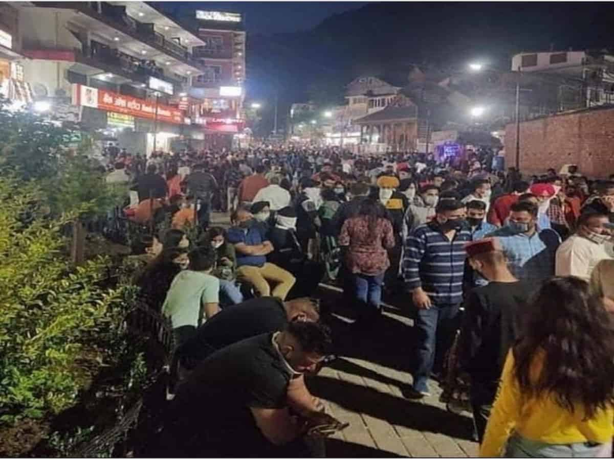 #3rdWave trends on Twitter as photos of tourist crowd in Manali go viral