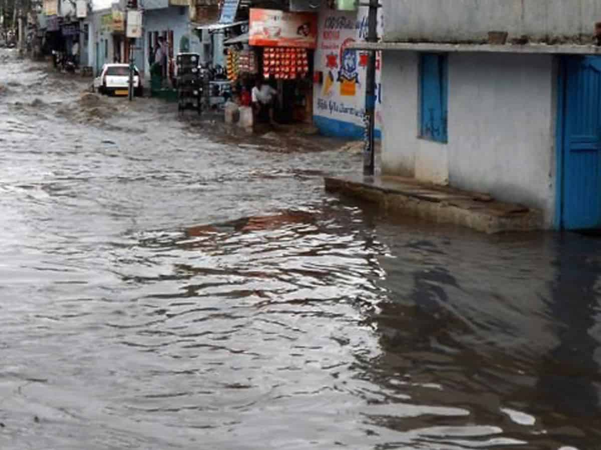Hyderabad's Makkah colony suffers flood after heavy rains despite